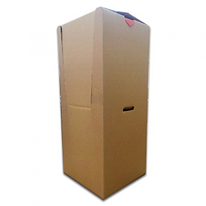 гардеробный короб внутри для одежды на вешалке