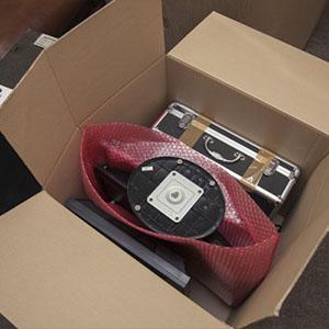 Упаковка компьютера в коробку 125 литров на офисном переезде